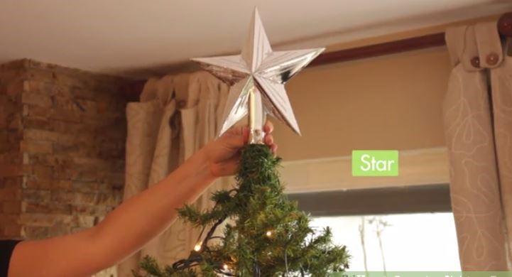 ستاره تزئینی بالای درخت