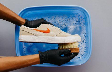 نظافت کفش
